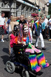 Kleurrijk Gehandicapt Meisje in de Vrolijke Trots 2011 van Brighton stock afbeeldingen