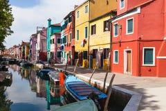 Kleurrijk geschilderde huizen op Burano, Venetië, Italië Royalty-vrije Stock Foto's