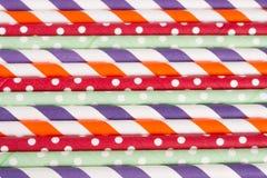 Kleurrijk het drinken gestreept stro als achtergrond Royalty-vrije Stock Foto's