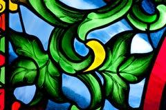 Kleurrijk kleurrijk glas in de kerk. Royalty-vrije Stock Fotografie