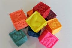 Kleurrijk kubussenspel 3D voor jonge geitjes Stock Foto's