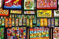 Kleurrijk kunstwerk voor verkoop in Maputo, Mozambique stock afbeeldingen