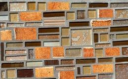 Kleurrijk mozaïek op de muur, abstracte glasachtergrond Stock Foto
