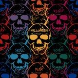 Kleurrijk naadloos Halloween-patroon Vector abstracte achtergrond met schedels, woorden en bomen royalty-vrije stock afbeelding