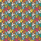 Kleurrijk naadloos patroon met Pasen-konijntje Stock Afbeeldingen