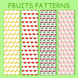 Kleurrijk naadloos patroon van bananen, watermeloenen, kersenbessen en appelen Royalty-vrije Stock Fotografie