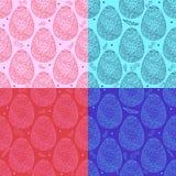 Kleurrijk naadloos patroon van de overladen eieren van Pasen Royalty-vrije Stock Afbeeldingen