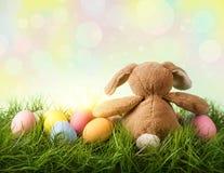 Kleurrijk paaseieren en konijn Royalty-vrije Stock Afbeeldingen
