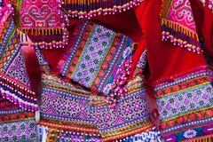 Kleurrijk patroon en details textielkostuum van Aziatische etnisch royalty-vrije stock foto's