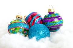Kleurrijk schitter de ballen van Kerstmis Royalty-vrije Stock Afbeeldingen