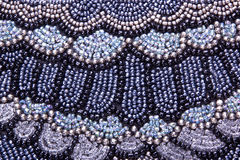 Kleurrijk Stikkend Vormend Patroon op Mauve Stof Royalty-vrije Stock Fotografie