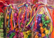 Kleurrijk Suikergoed in flessen zeer aardige gift voor kinderen stock foto