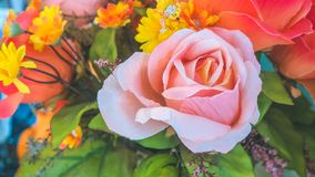 Kleurrijk van de plastic bloemen stock afbeelding