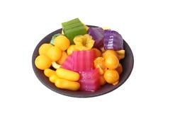 Kleurrijk van Thaise gestoomde laagcake in kubus en gebraden gebakje Gol Stock Afbeelding