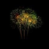 Kleurrijk vuurwerk op de zwarte hemel Stock Afbeelding