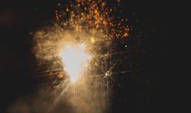 Kleurrijk vuurwerk over een nachthemel Stock Foto