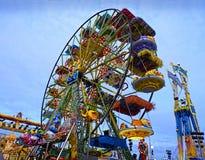 Kleurrijk Wiel bij Luna Park Stock Afbeeldingen