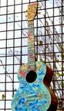 Kleurrijke akoestische gitaarsamenvatting royalty-vrije stock foto's