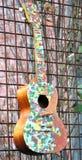 Kleurrijke akoestische gitaarsamenvatting royalty-vrije stock afbeeldingen