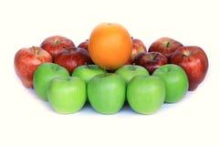 Kleurrijke appelen en sinaasappel Royalty-vrije Stock Fotografie