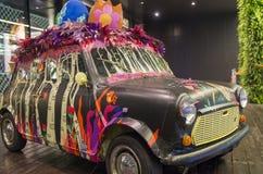Kleurrijke auto in warenhuis Royalty-vrije Stock Afbeeldingen