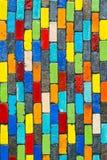 Kleurrijke bakstenen muur royalty-vrije stock foto's