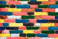Kleurrijke bakstenen muur. Unieke achtergrond Royalty-vrije Stock Afbeeldingen