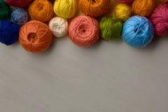 Kleurrijke Ballen van Garen Royalty-vrije Stock Foto's