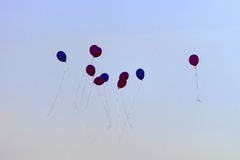 Kleurrijke ballons in de hemel Stock Foto's