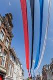 Kleurrijke banners in het stadscentrum van Leeuwarden Stock Afbeelding