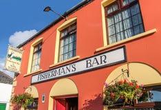Kleurrijke Bar in Portmagee stock foto