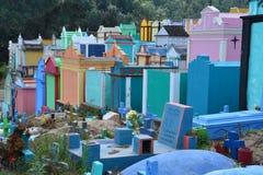 Kleurrijke Begraafplaats in Chichicastenango Guatemala stock afbeeldingen