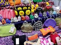 Kleurrijke beurzen en kleine zakken Stock Foto's
