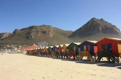 Kleurrijke Cabines op Muizenberg-Strand Zuid-Afrika stock afbeeldingen
