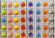 Kleurrijke ceramische koffiemokken Royalty-vrije Stock Afbeeldingen