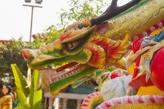 Kleurrijke Chinese draak in Chinese Tempel in Thailand Royalty-vrije Stock Afbeelding