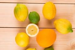 Kleurrijke Citrusvruchten Stock Afbeeldingen
