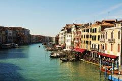 Kleurrijke cityscape van Venetië, Italië, uitstekende tinten stock fotografie