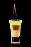 Kleurrijke cocktail op de zwarte achtergrond Royalty-vrije Stock Foto