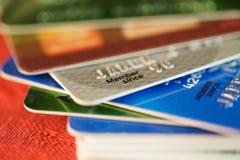 Kleurrijke creditcards Stock Foto's