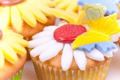 Kleurrijke cupcakes Stock Afbeeldingen