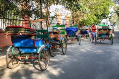 Kleurrijke cyclusriksja's van Pondicherry, Puducherry, India Royalty-vrije Stock Afbeelding