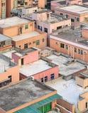 Kleurrijke daken van oude gebouwen in Shenzhen, China Stock Foto