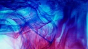 Kleurrijke de Dalingenplons van de Verfinkt in Onderwater in Waterpool stock footage