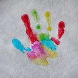 Kleurrijke de palmdruk van het kind op ambachtdocument vierkant stock afbeelding