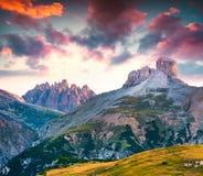 Kleurrijke de zomerscène in de Piana-bergketen Stock Foto