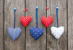 Kleurrijke decoratieve harten stock afbeelding