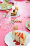 Kleurrijke dessertpartij met vele cakes Royalty-vrije Stock Foto
