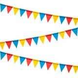 Kleurrijke die bunting partijvlaggen op witte achtergrond worden geïsoleerd stock afbeelding