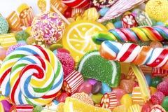 Kleurrijke die lollys en verschillend om suikergoed worden gekleurd Hoogste mening royalty-vrije stock foto's
